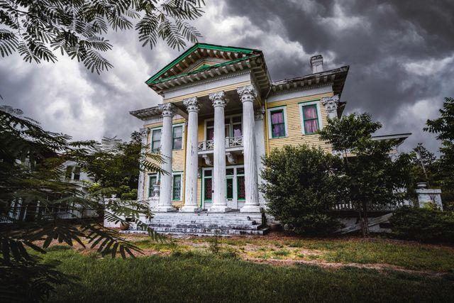 abandoned alabama mansion