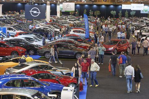 Land vehicle, Vehicle, Motor vehicle, Car, Auto show, Automotive design, Mid-size car, Custom car, Event, Auto part,