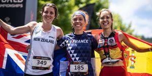 Sheila Avilés celebra su bronce en el Mundial de Trail