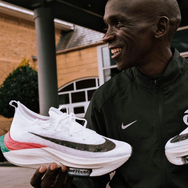 Sportswear, Athletic shoe, Carmine, Tooth, Walking shoe, Sneakers, Laugh, Tennis shoe, Nike free, Cross training shoe,