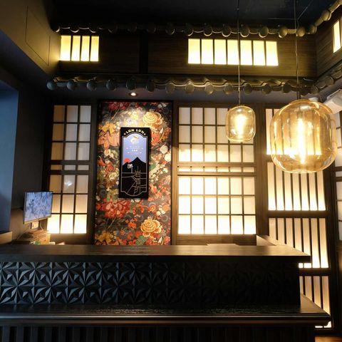 50年老字號「大車輪」打造日式餐酒館!火車盒盛裝壽司、台灣首間岩石湯泡飯料理餐廳