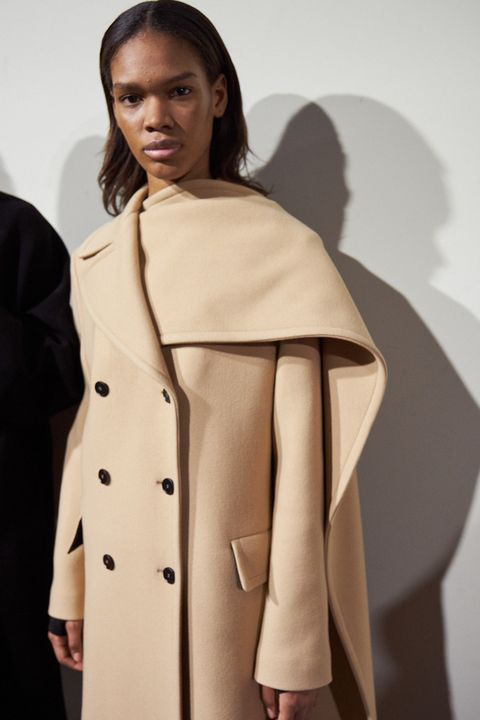 Clothing, Coat, Outerwear, Overcoat, Trench coat, Fashion, Duster, Beige, Fashion design, Fashion model,