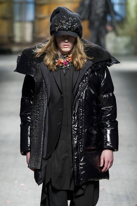 Clothing, Street fashion, Fashion, Jacket, Outerwear, Leather jacket, Fur, Coat, Beanie, Headgear,