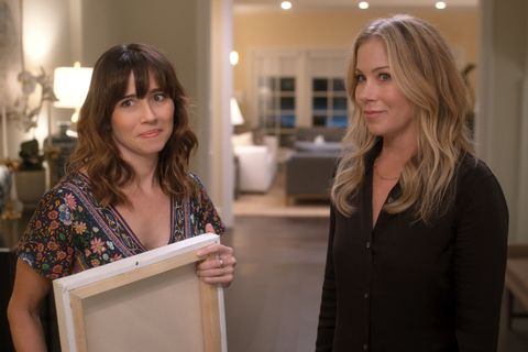 """linda cardellini and christina applegate in netflix's """"dead to me"""""""