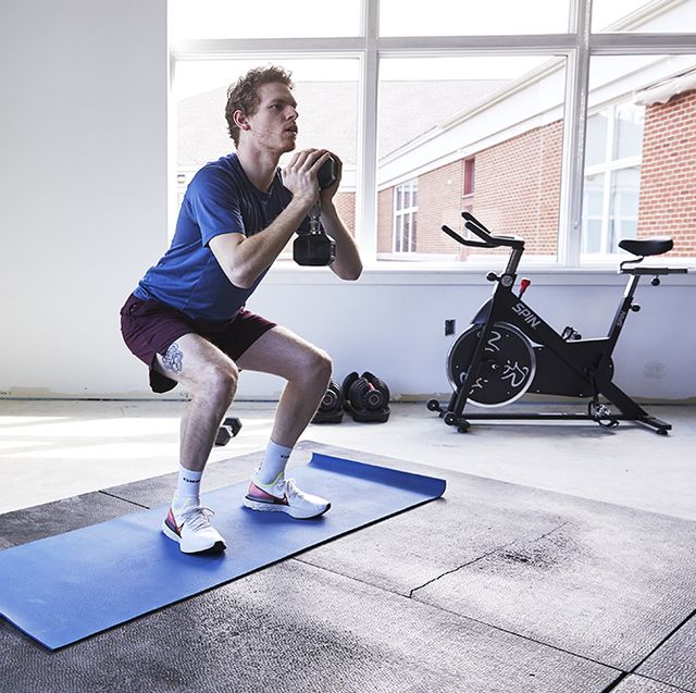 squat with dumbbell