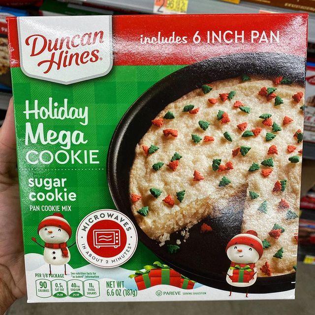 duncan hines mega holiday sugar cookie