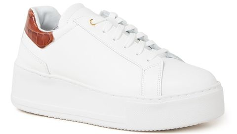 Shoe, Footwear, White, Sneakers, Walking shoe, Skate shoe, Outdoor shoe, Plimsoll shoe, Athletic shoe, Tennis shoe,