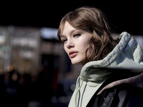 Hair, Face, Beauty, Lip, Fashion, Eye, Hairstyle, Street fashion, Photography, Human,