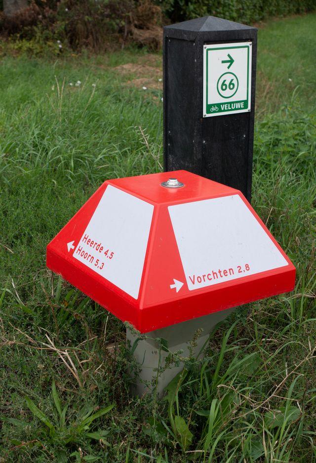 dutch bicycle direction 'mushroom' to village of vorchten