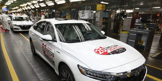 All the Automakers Laying Off Workers During Coronavirus Pandemic