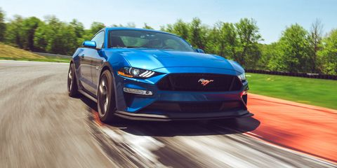 Land vehicle, Vehicle, Car, Automotive design, Performance car, Sports car, Full-size car, Mid-size car, Race car, Rolling,