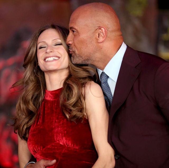 La historia de amor de Dwayne the rock johnson y Lauren hashian hará que te enamores aún más de la estrella de 'Rascacielos''s love story will make you fall for the 'skyscraper' star even more