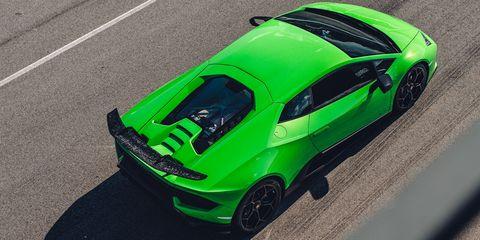Land vehicle, Vehicle, Car, Sports car, Supercar, Green, Automotive design, Lamborghini, Yellow, Performance car,