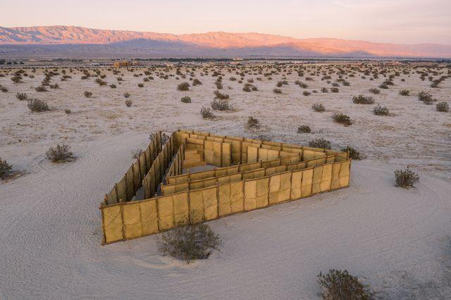 instalación desert x en coachella valley, california