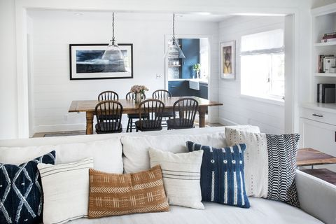 Living room, Room, Furniture, White, Interior design, Property, Table, Home, Couch, Wall,