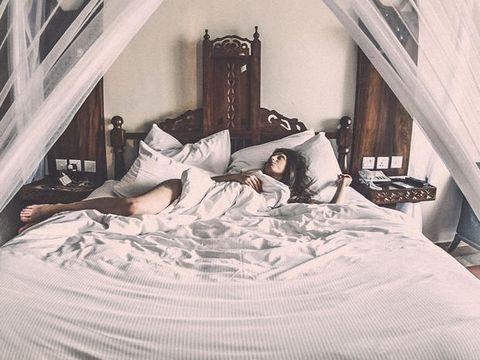 Bed, Room, Bedding, Bedroom, Interior design, Textile, Bed sheet, Linens, Bed frame, Furniture,