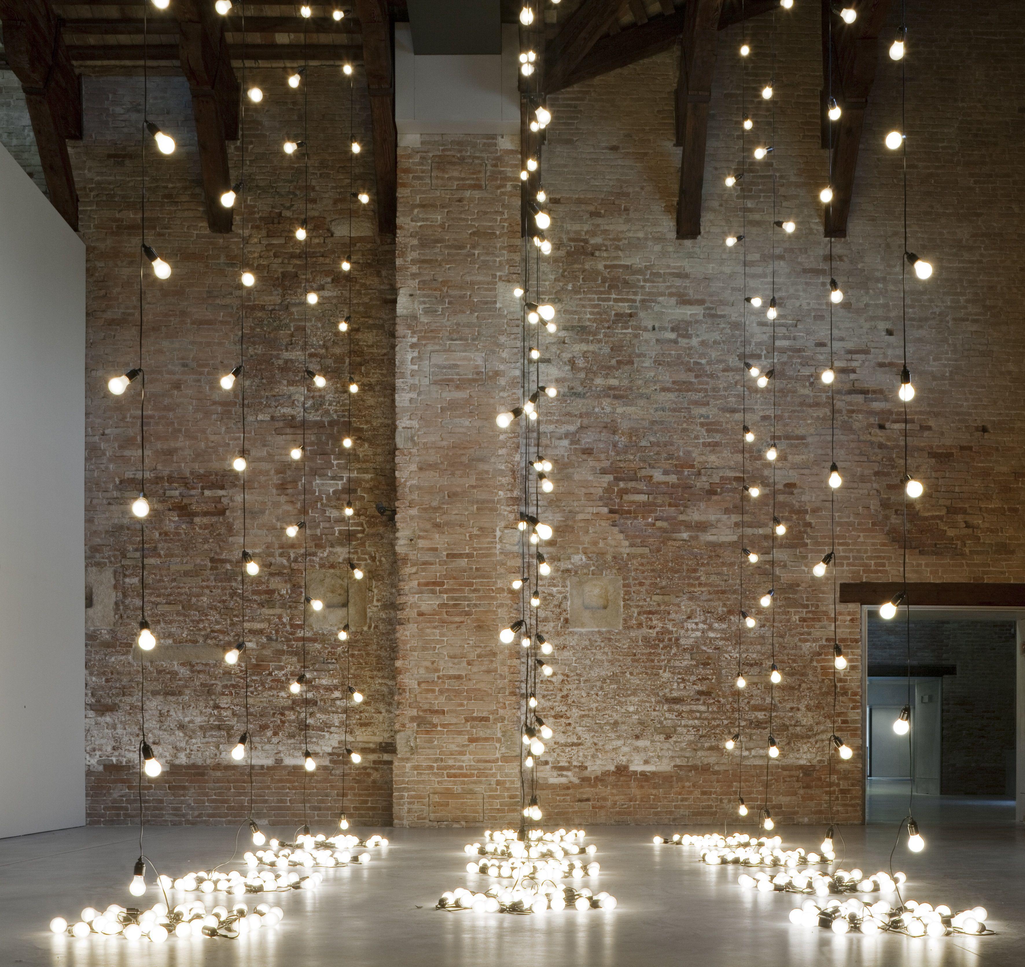 La nuova mostra di Punta della Dogana a Venezia elogio alla poesia femminista di Etel Adnan, vedi alla voce mostre imperdibili 2019