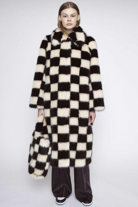 stand studio abrigo instagram pelo ajedrez