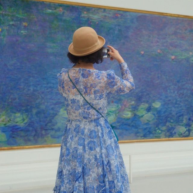 The woman and the waterlilies