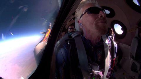 維珍富豪布蘭森上太空:他的5個瘋狂夢想,帶我們往「太空旅遊」走近了一步!