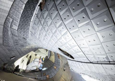 fusion-stellarator-wendelstein-7-x.jpg