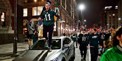 Vehicle, Car, Event, Team, Uniform, Downtown, Official, City, Crowd, City car,