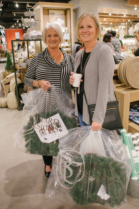 Green, Fashion, Supermarket, Customer, Shopping, Event, Selling, Outlet store, Business,