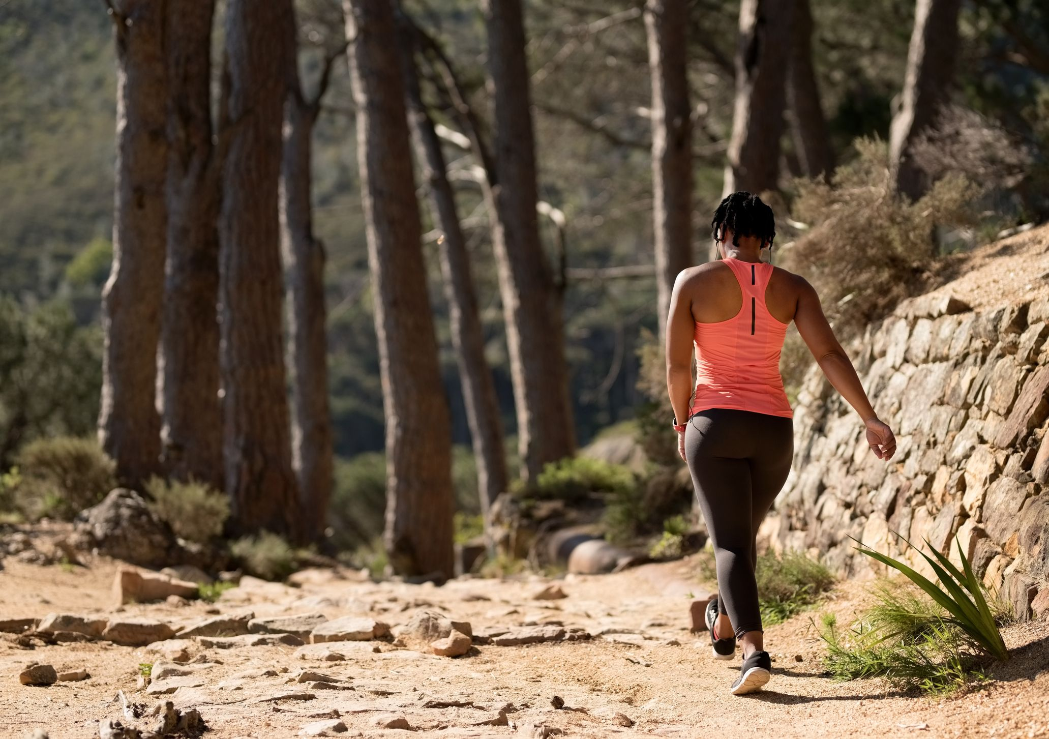 10 Benefits Of Walking That Can Improve Your Health In Major Ways
