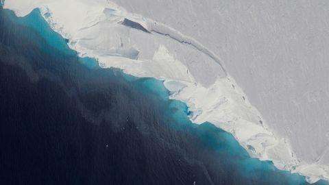 Ice, Geological phenomenon, Iceberg, Glacial landform, Glacier, Polar ice cap, Atmosphere, Glacial lake, Ice cap, Arctic ocean,