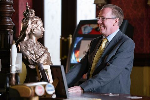 ian beale with the queen vic bust in eastenders