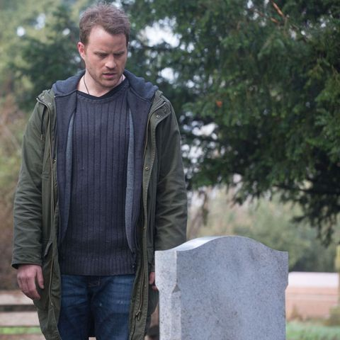 EastEnders revisits Roxy and Ronnie Mitchell's tragic deaths as Sean Slater returns