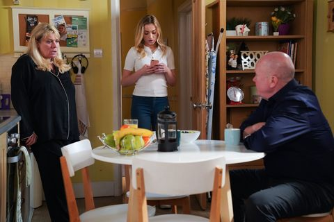 Sharon and Phil Mitchell discuss the baby in EastEnders