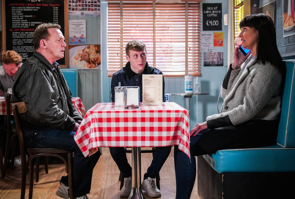 eastenders-2-billy-mitchell-jay-brown-honey-mitchell-talk-cafe-1616261601.jpg?crop=1xw:1xh;center,top&resize=980:*