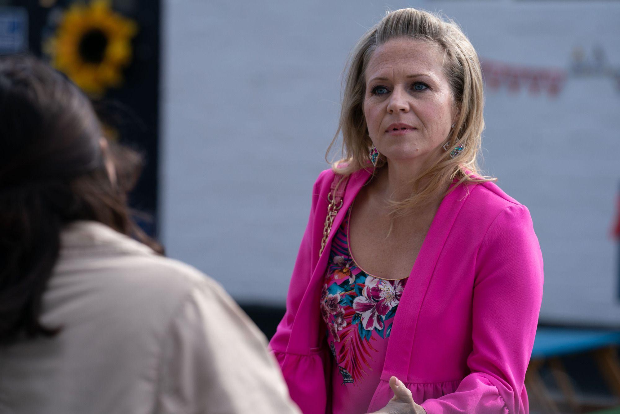 EastEnders is lining up a big new struggle for Linda Carter next week