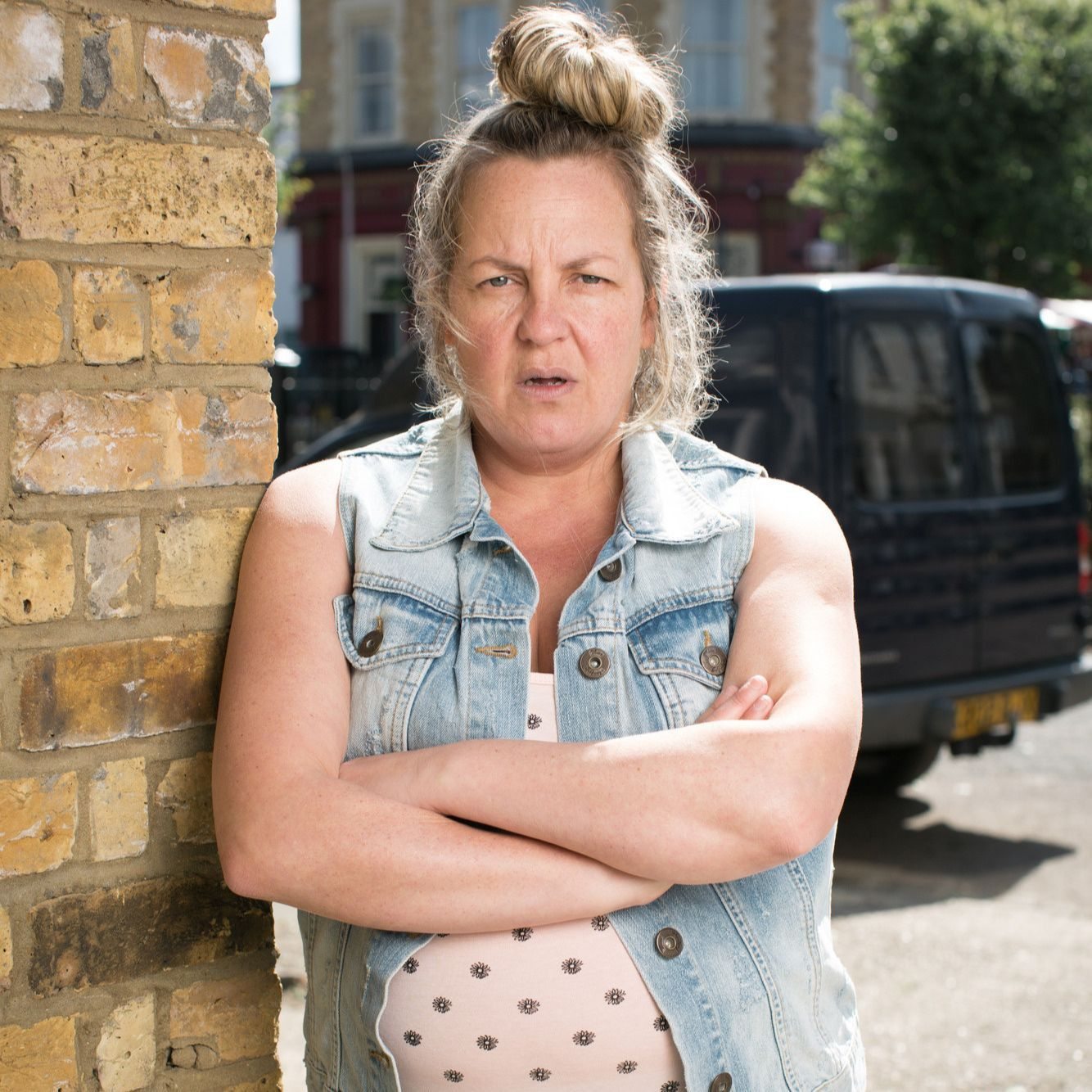 EastEnders star Lorraine Stanley calls for three faces from Karen's past to arrive