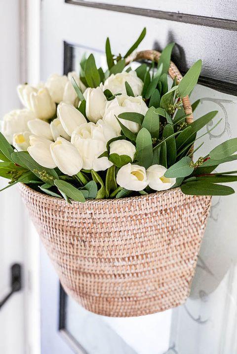 tulip basket wreath