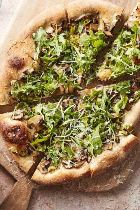 easter appetizers mushroom arugula salad pizza