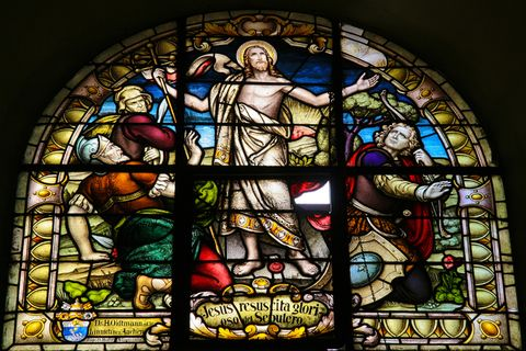 resurrection of christ depicted in stained glass
