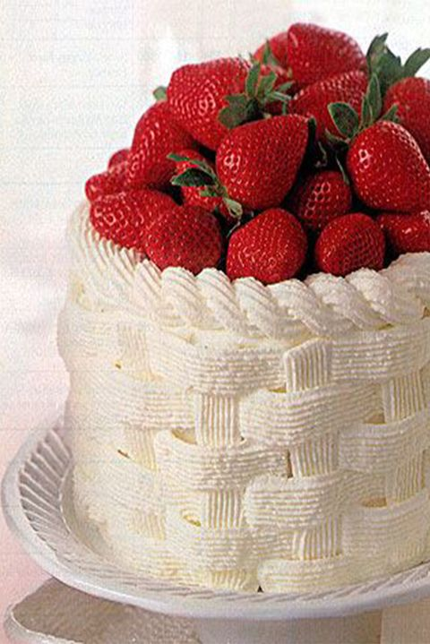 easter-cakes-strawberry-basket-cake
