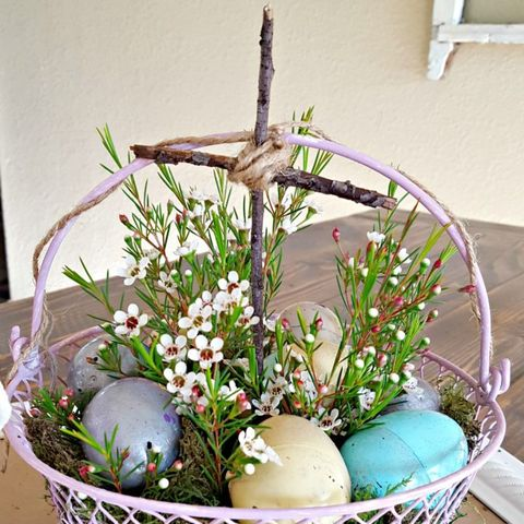Easter, Flowerpot, Gift basket, Basket, Flower, Floristry, Plant, Easter egg, Floral design, Flower Arranging,