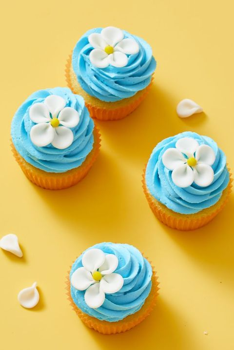 easter cupcakes - flower cupcakes
