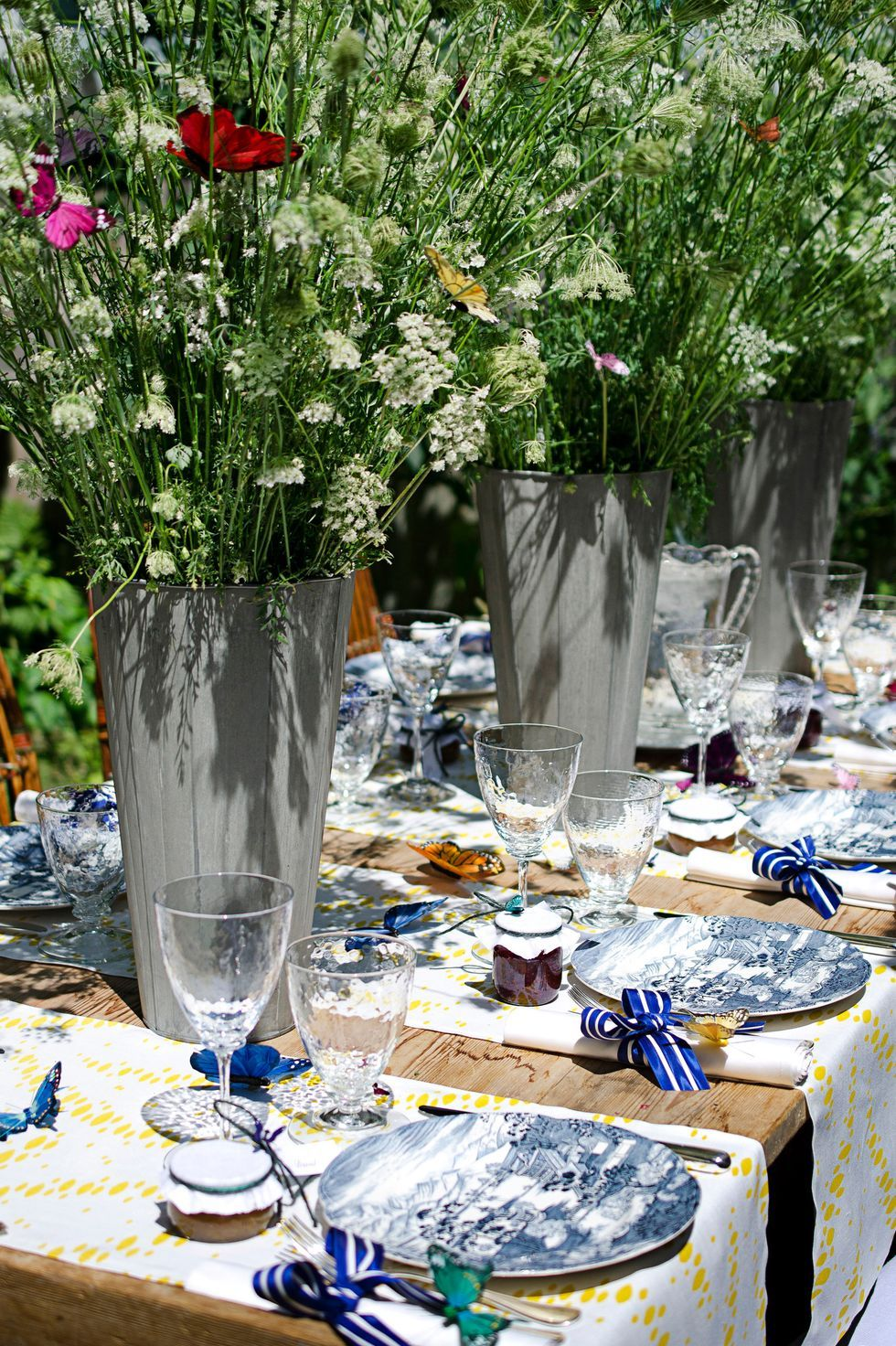 27 Easter Table Decorations Elegant Centerpieces Table Settings For Easter