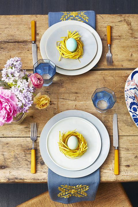 easter decoration ideas - blue table setting