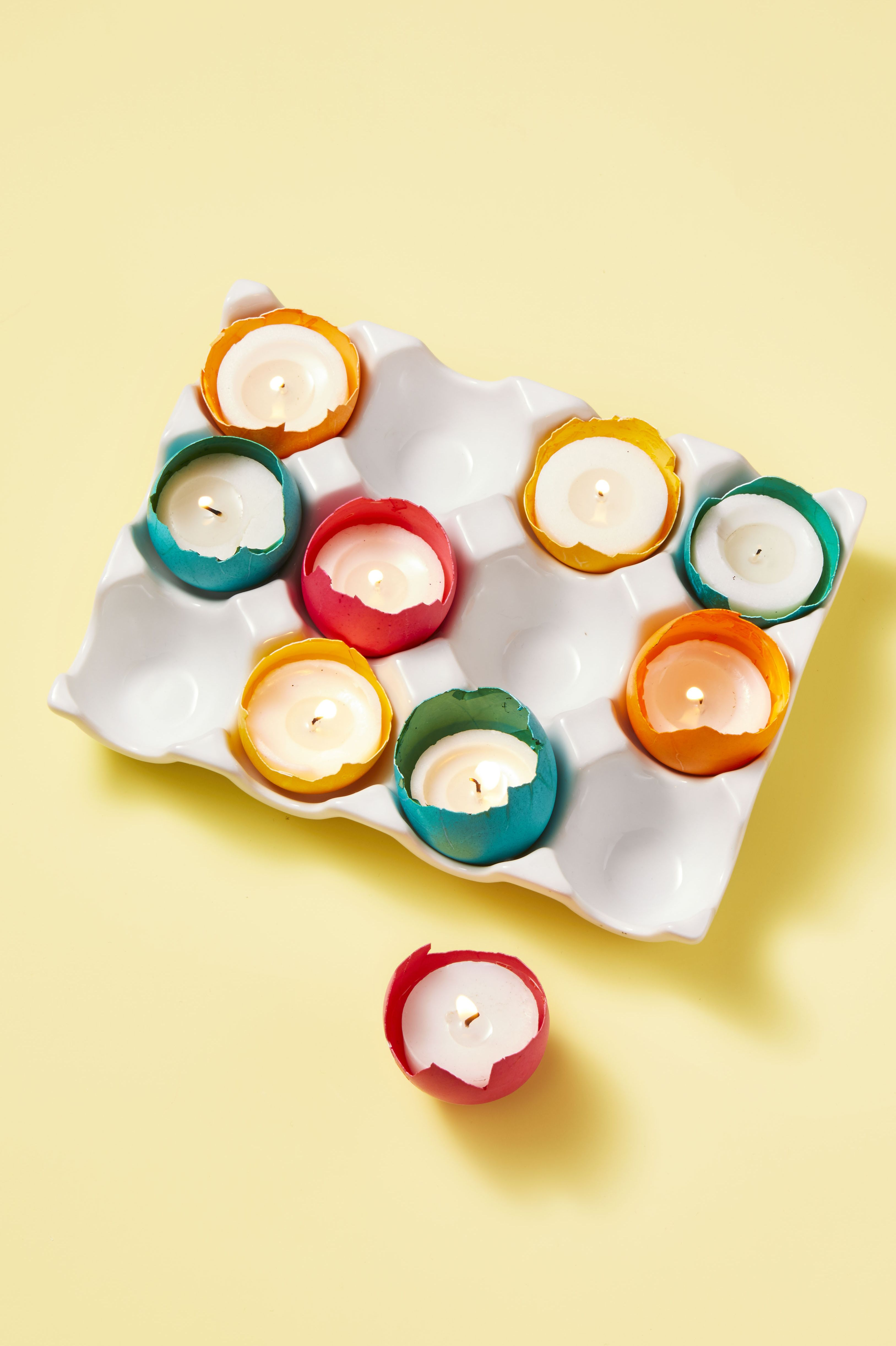 Easter Decorations Tealight Candles in Colored Eggshells