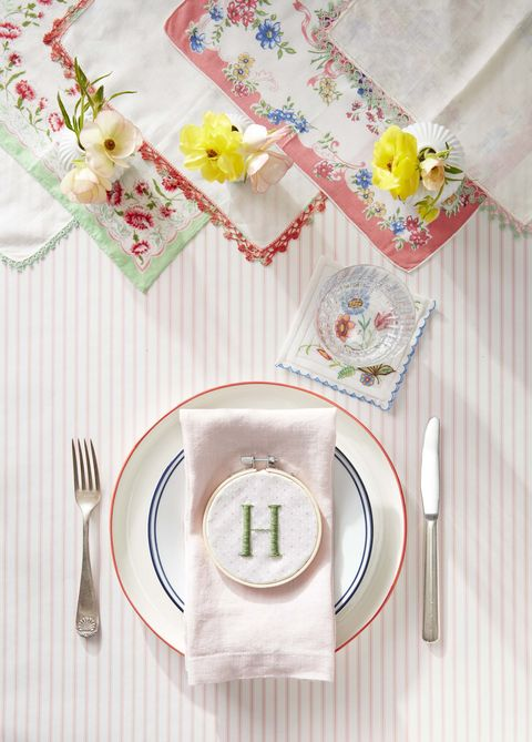 easter-decorations-monogrammed-hoop