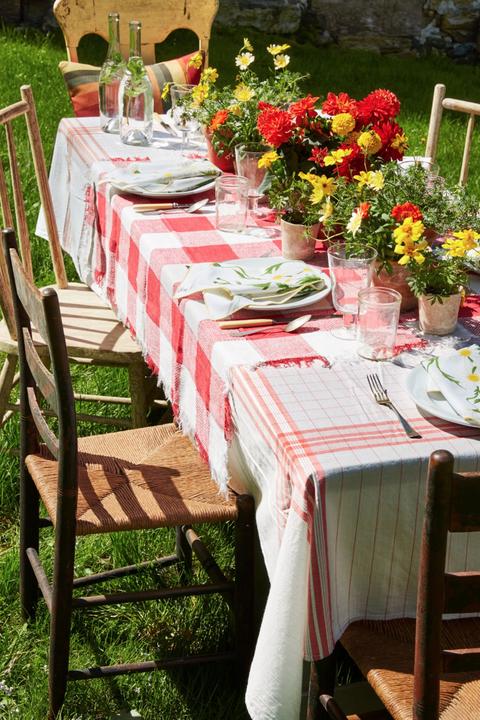 diy easter decorations vintage linen tablecloth