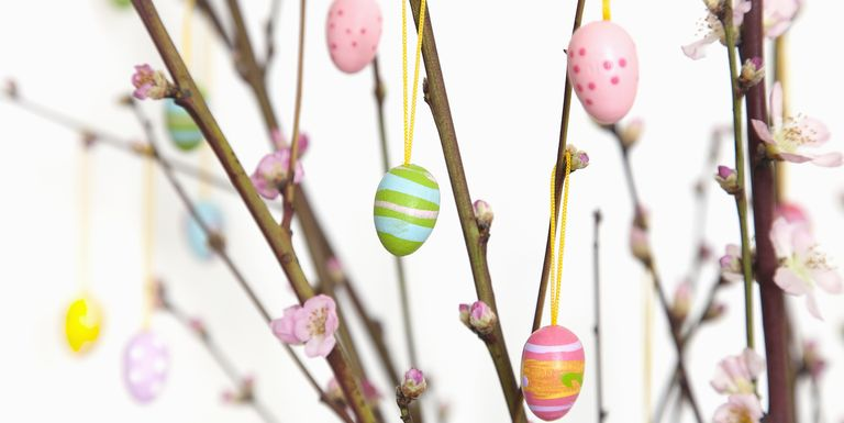 Diy easter egg tree ideas how to make an easter tree How to make an easter egg tree