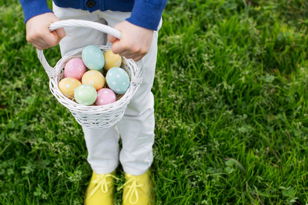 How to Host a Virtual Easter Egg Hunt With Family and Friends While Social Distancing