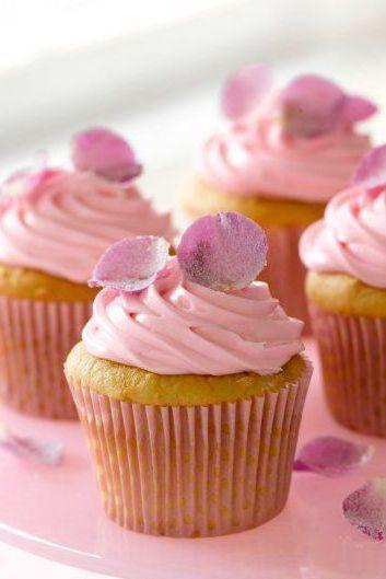 easter-treats-rose-petal-cupcake