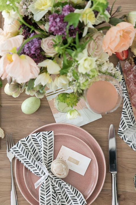 easter table with pink plates